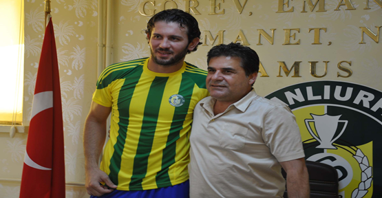 Yavuz Özkan 1 yıllık imzayı attı